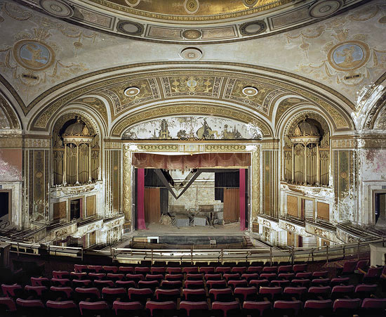 Loews Palace Theatre, Bridgeport. (c) Marchand and Dumerre.